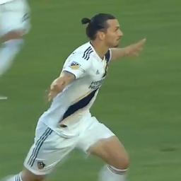 Ibrahimovic maakt hattrick voor LA Galaxy in stadsderby tegen LAFC