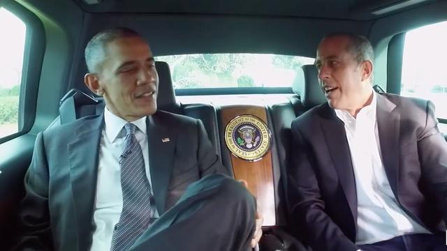 Glimmende bolides en celebrities in Comedians in Cars Getting Coffee trailer