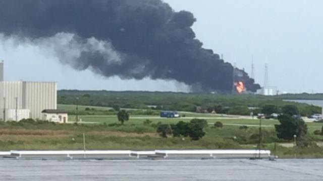 Raket SpaceX explodeert op lanceerplatform Cape Canaveral