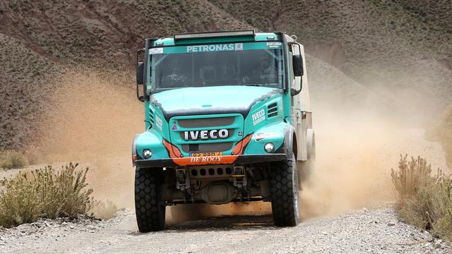 Trucker De Rooy laat Dakar Rally aan zich voorbij gaan