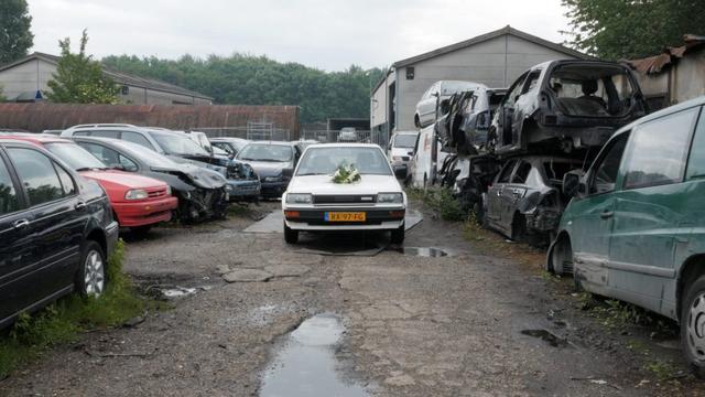 Leidse student start uitvaartservice voor auto's