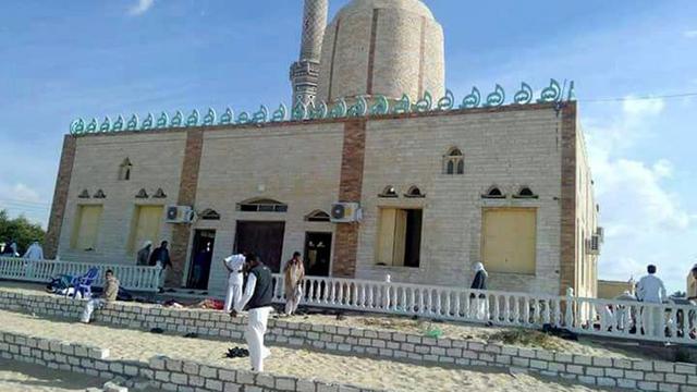 Zeker 235 doden door aanslag op moskee in Egypte