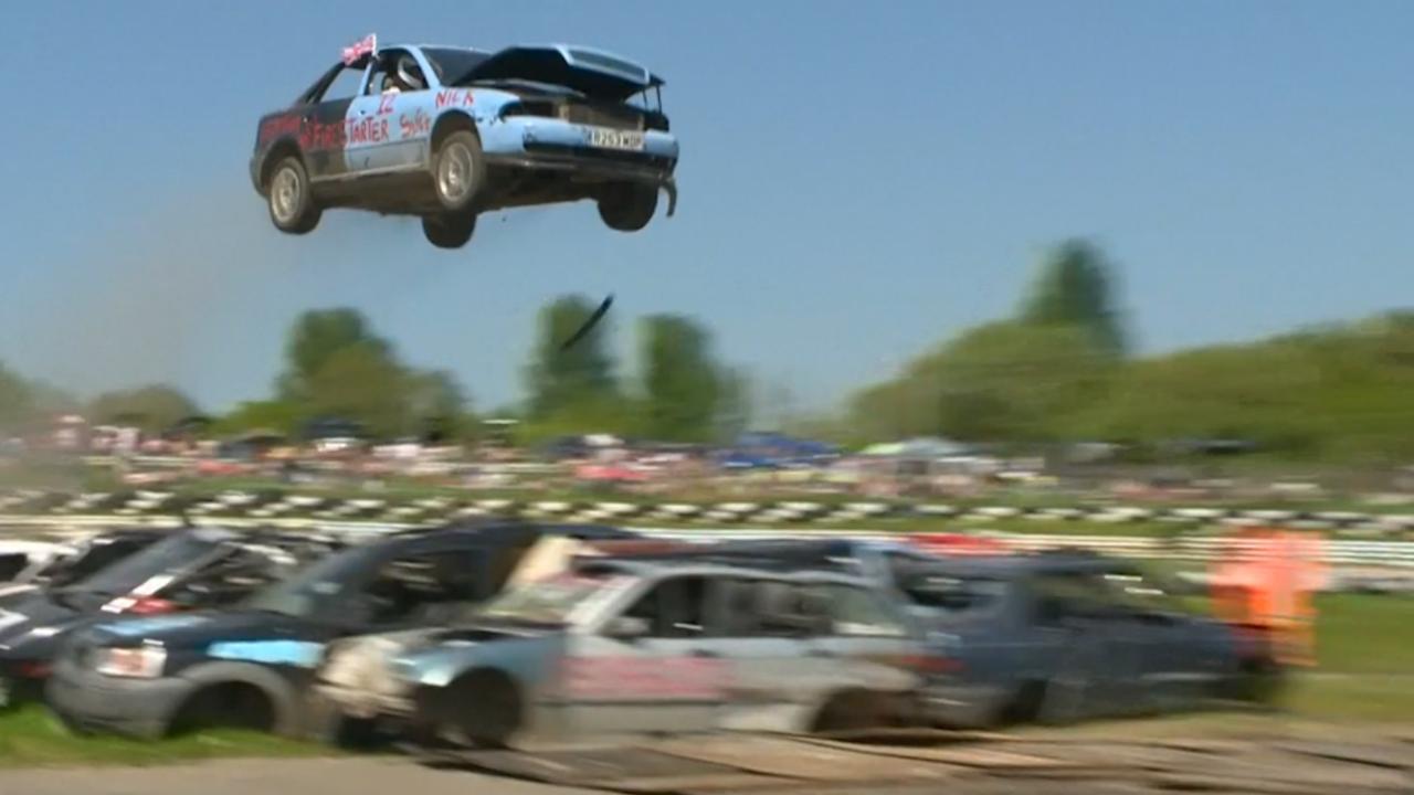 Britten 'vliegen' met auto's tijdens kampioenschap in Sussex