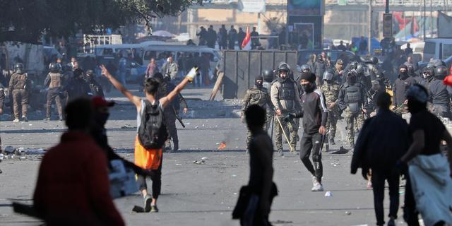 Twaalf doden en tientallen gewonden bij nieuwe demonstraties Irak