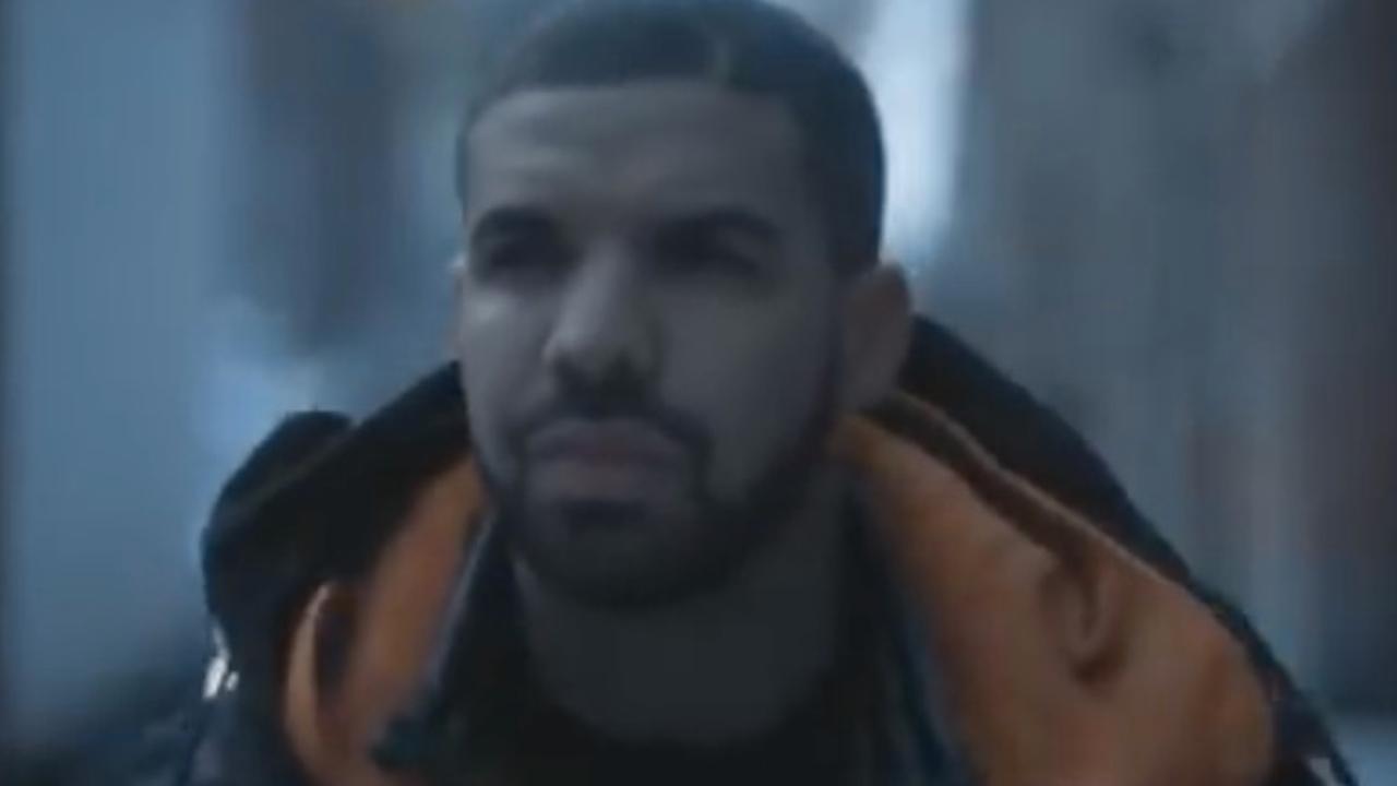 Beluister One Dance van Drake