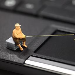 Mensen opgepakt voor phishing via telefoongesprekken