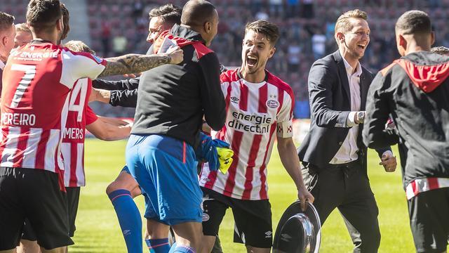 PSV sluit af met gelijkspel tegen FC Groningen, Ajax wint van Excelsior