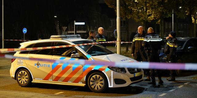 Tweetal bedreigt man met pistool en pepperspray op de Hoofdweg in West
