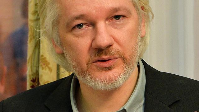 Zweedse rechtbank handhaaft arrestatiebevel Julian Assange