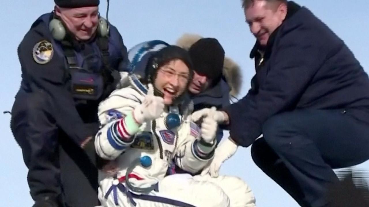 Vrouwelijke astronaut geland op aarde na recordvlucht