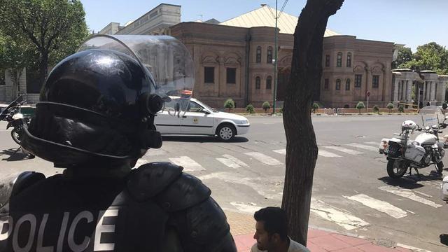Tientallen arrestaties in Iran na aanslagen Teheran