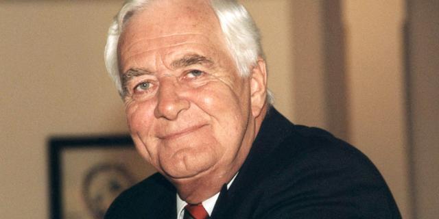 Oud-journalist en Ook dat nog!-presentator Aad van den Heuvel (84) overleden