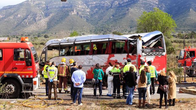 Twee Nederlanders overleven Spaans busongeluk