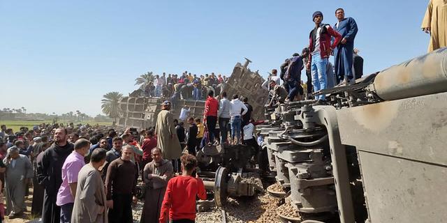 Meer dan dertig doden en 165 gewonden na treinongeluk in Egypte