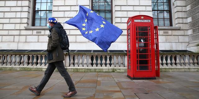 Brexit-onderhandelaars missen deadline en gaan maandag verder
