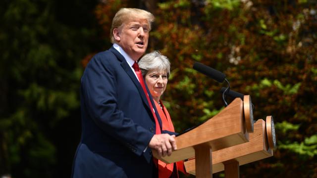 Trump weerspreekt kritiek Brexit-plannen May