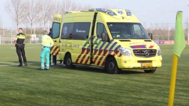 Haarlemse voetbalclub royeert grensrechter die doelman bewusteloos sloeg