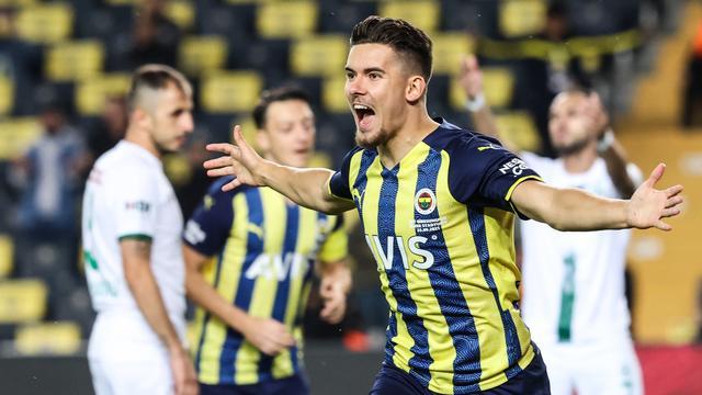 Ferdi Kadioglu was al na twee minuten trefzeker voor Fenerbahçe.