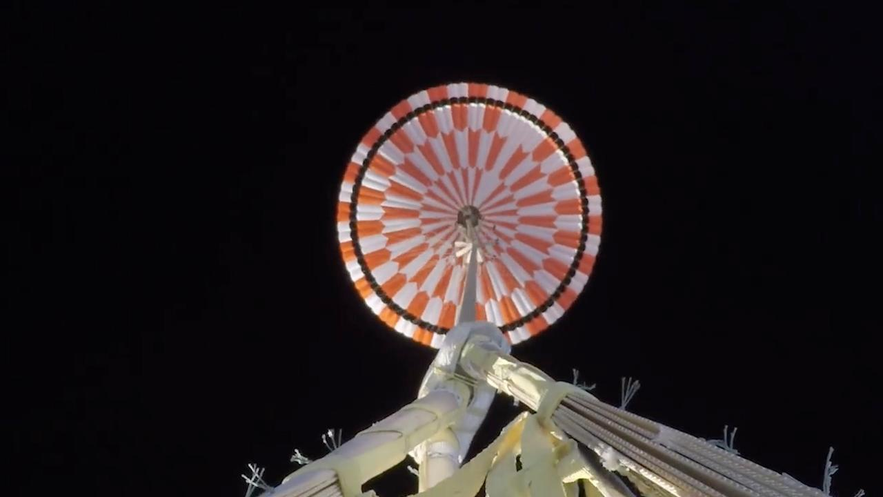NASA deelt testbeelden van parachute voor marslanding met mensen