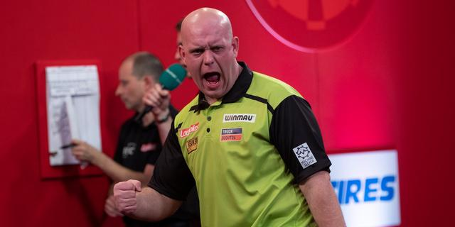 Geëmotioneerde Van Gerwen prolongeert titel op Players Championship Finals
