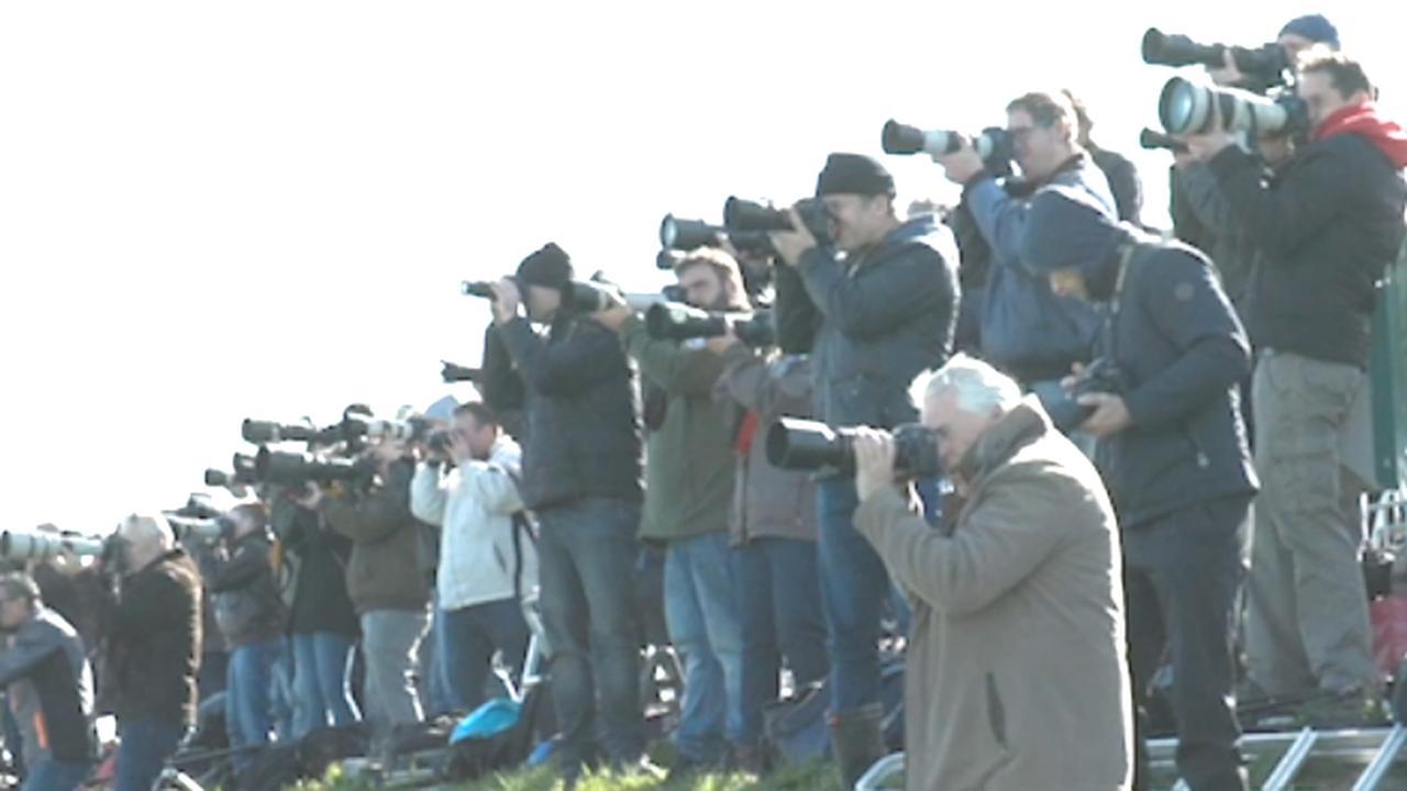 Tientallen spotters zien start vliegoefeningen in Leeuwarden