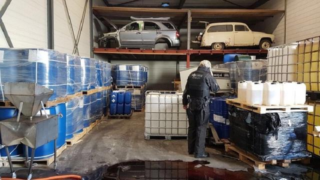 Politie vindt grote partij drugs tussen knoflook in loods Etten-Leur