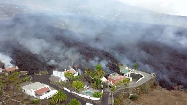 Lava op La Palma slokt huizen op: 'Helemaal niets tegen te doen'