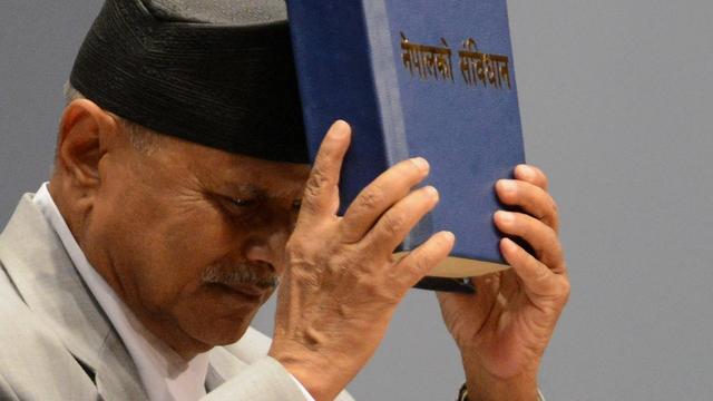 Nepal neemt nieuwe grondwet aan