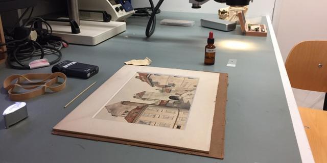 Experts twijfelen aan authenticiteit van Hitler-aquarel dat NIOD kreeg