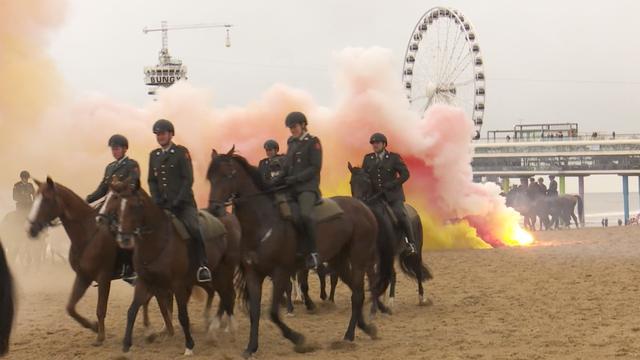 Paarden voor Prinsjesdag blootgesteld aan rook en kanonslagen