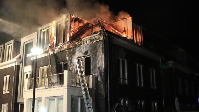 Drie gewonden bij brand in appartementencomplex Brabants dorp Liessel