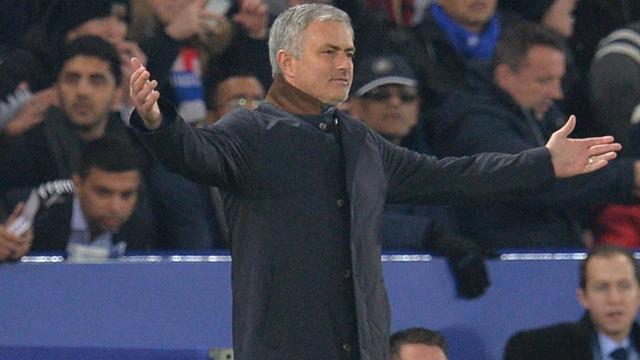 Mourinho voelt zich 'verraden' door Chelsea-spelers