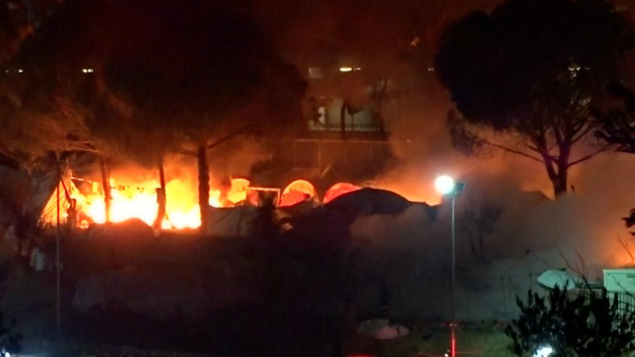 Brand na overlijden vrouw en kind in Grieks vluchtelingenkamp