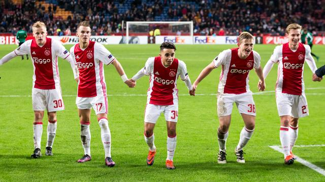 Ajax groepswinnaar in Europa League na zege op Panathinaikos