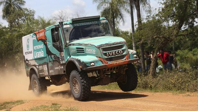 Trucker De Rooy wint vierde etappe van Dakar Rally