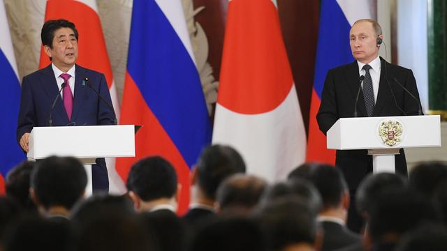 Poetin en Abe doen beroep op kalmte Noord-Korea
