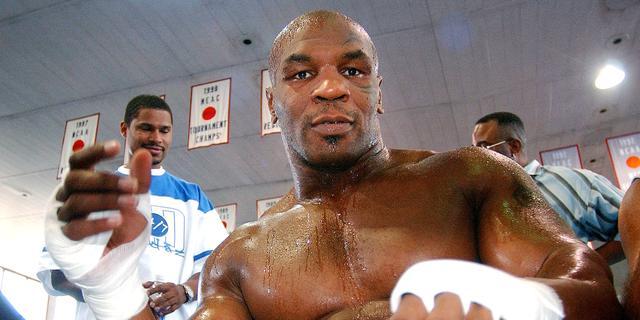 Hoe serieus is de rentree van Tyson (54)? 'Elkaar KO slaan is niet de bedoeling'