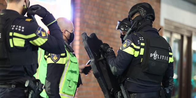 Politie vindt grote hoeveelheid drugs aan Nikkelwerf, zevental aangehouden