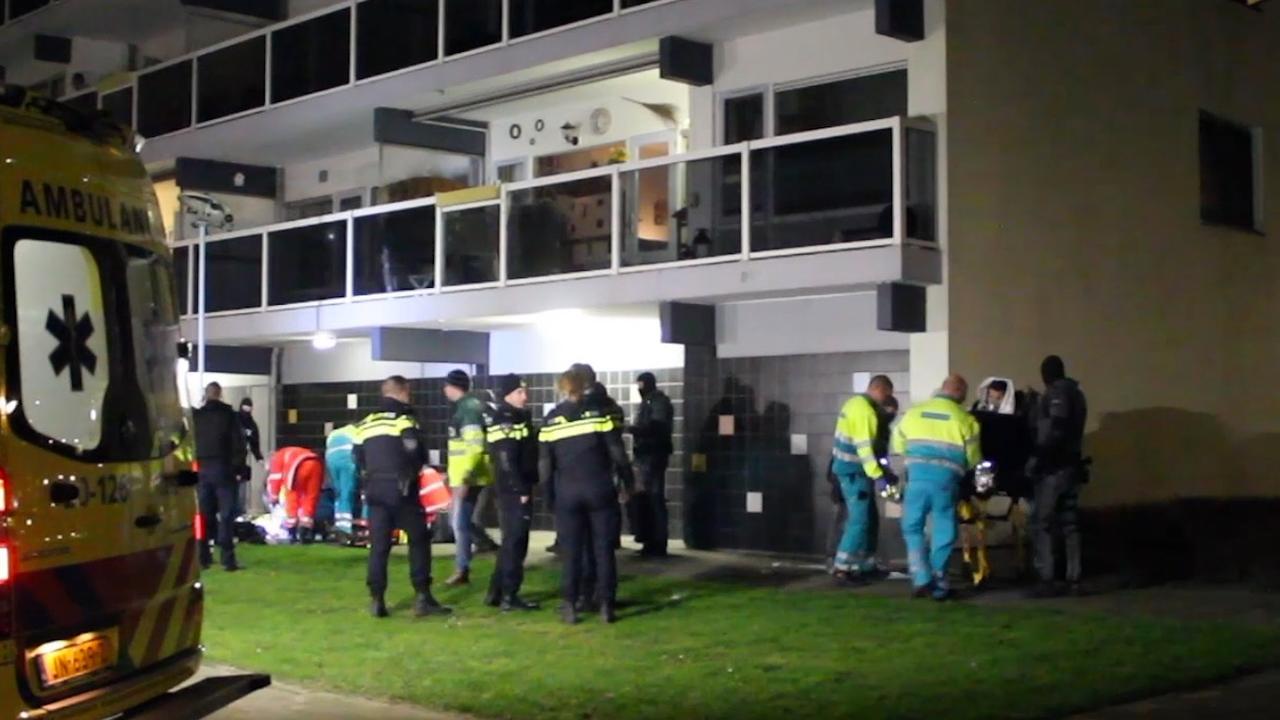 Politie doet onderzoek naar aangetroffen lichaam flat Breda