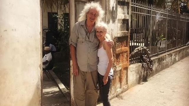 Queen-lid Brian May bezoekt Freddie Mercury's geboorteplaats Zanzibar
