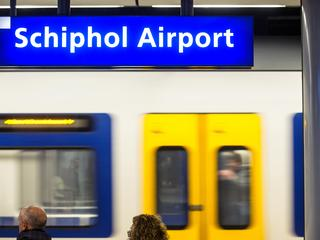 Schiphol in weekend niet per trein te bereiken
