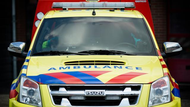 A44 richting Amsterdam weer open na brandende ambulance
