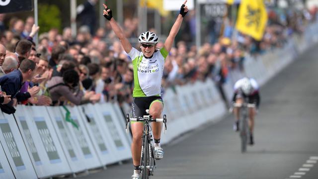 Annemiek van Vleuten en su victoria en el Tour de Flandes en 2011.
