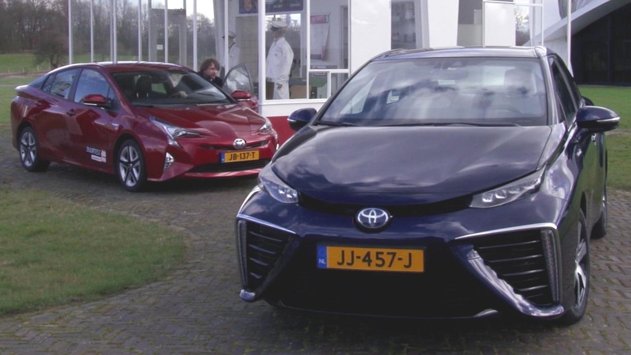 Eerste rijtest waterstofauto Toyota Mirai