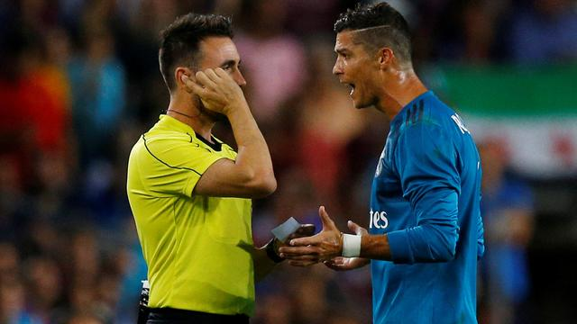 Cristiano Ronaldo vijf duels geschorst voor duwen scheidsrechter