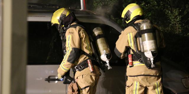 Brandweer rukt uit voor brand in bestelbus op Cort van der Lindenpad