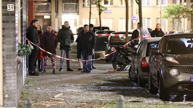 Bedrijfspand in Haagse Schilderswijk zwaar beschadigd door explosie