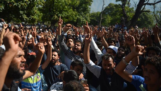 Rebellen Kashmir voeren bloedige aanval op Indiase soldaten uit