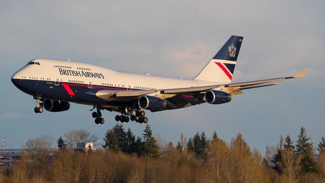 Record: vliegtuig binnen 5 uur van New York naar Londen door storm