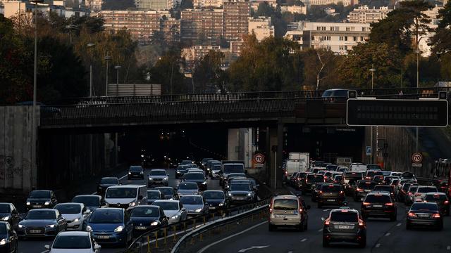 Betoging tegen einde kerstmarkt Parijs leidt tot lange files